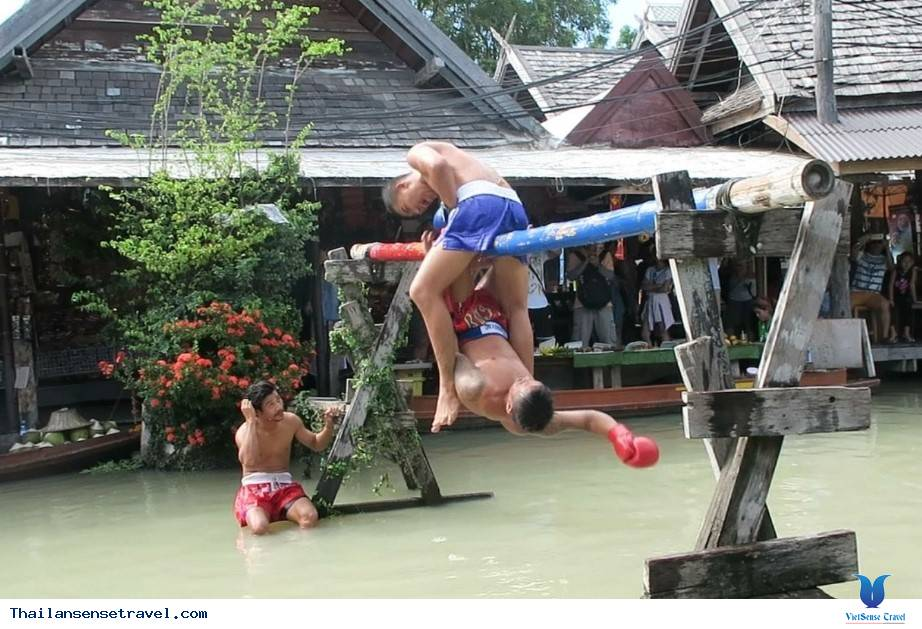 Giải trí cùng bộ môn Boxing trên nước truyền thống
