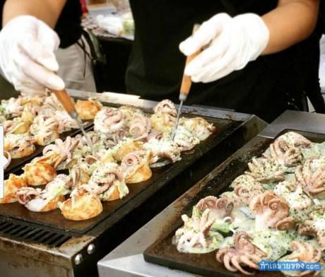 Món bạch tuộc nguyên con ở Bangkok - Ảnh 2