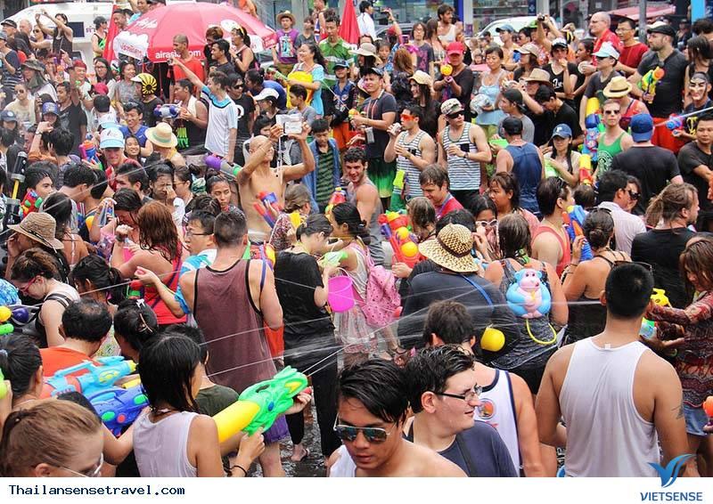 Sơ lược về lễ hội té nước 2019