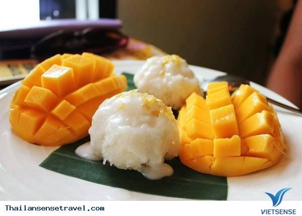 Món Khao Niaow Ma Muang