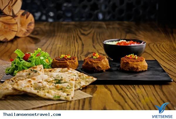 Nhà hàng Charcoal Tandoor Grill and Mixolory