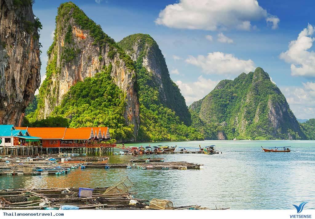 Tham quan sân bóng trên mặt biển ở làng chài của Thái Lan - Ảnh 2