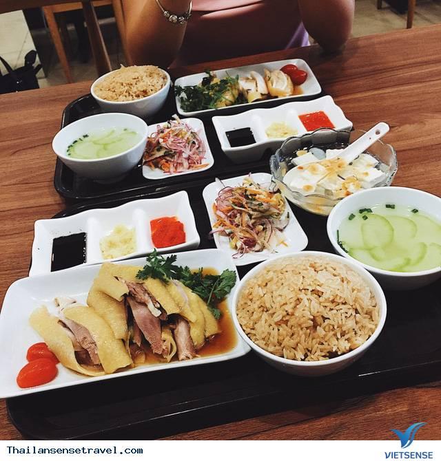Thưởng thức cơm gà Hải Nam ở Bangkok - Ảnh 2