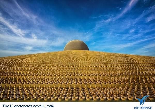 Viếng thăm ngôi chùa có nhiều tượng vàng nhất Thái Lan. - Ảnh 1